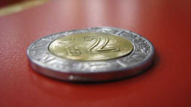Así debe ser una moneda de 2 pesos para venderla en casi 3 mil pesos