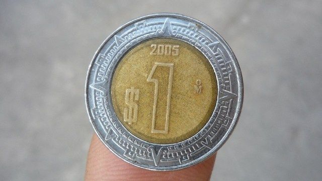 Esta moneda de 1 peso se vende en 400 pesos