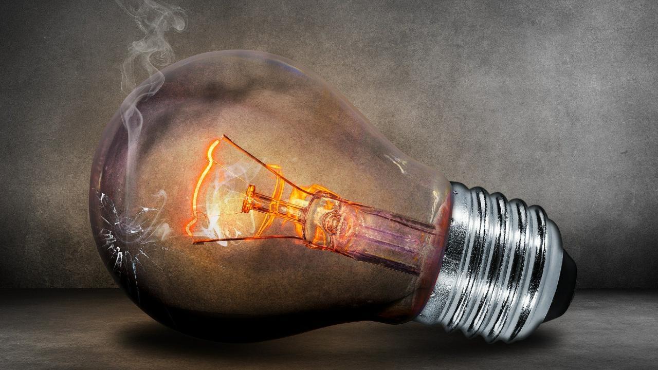 La aprobación de la reforma energética influyó en el valor del peso mexicano