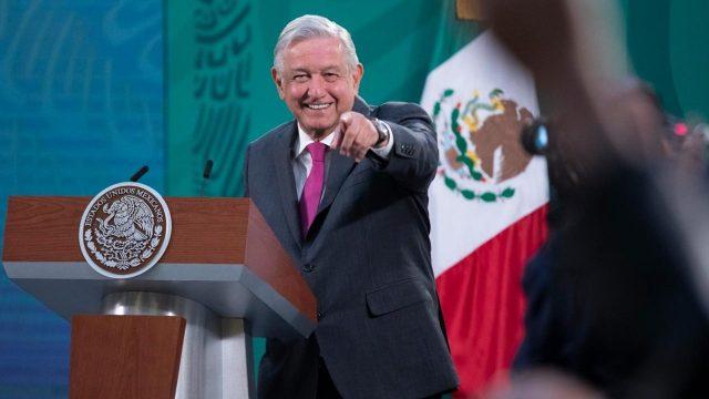 AMLO: A fines de 2023, México va a dejar de comprar gasolinas al extranjero