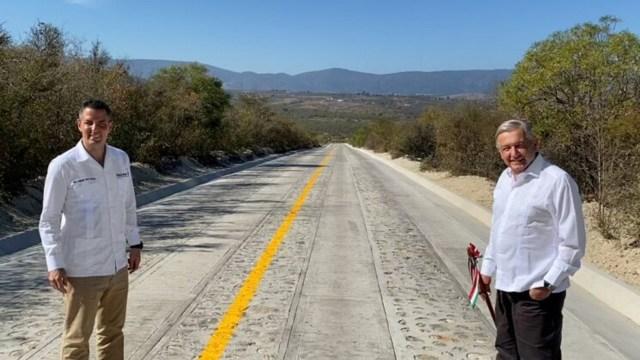 ¿Es buena idea construir carreteras a mano para crear empleos?