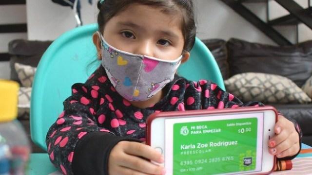 Termina el ciclo escolar y los beneficiarios de Mi Beca para Empezar reciben el último depósito