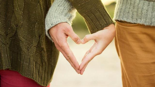 Consejos para evitar problemas financieros al vivir en pareja