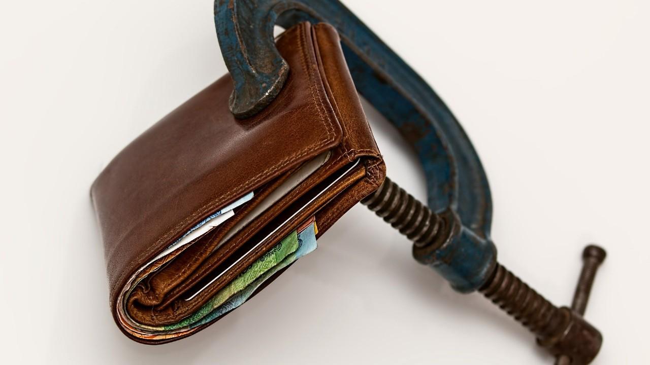 Evita apretar tu cartera al máximo