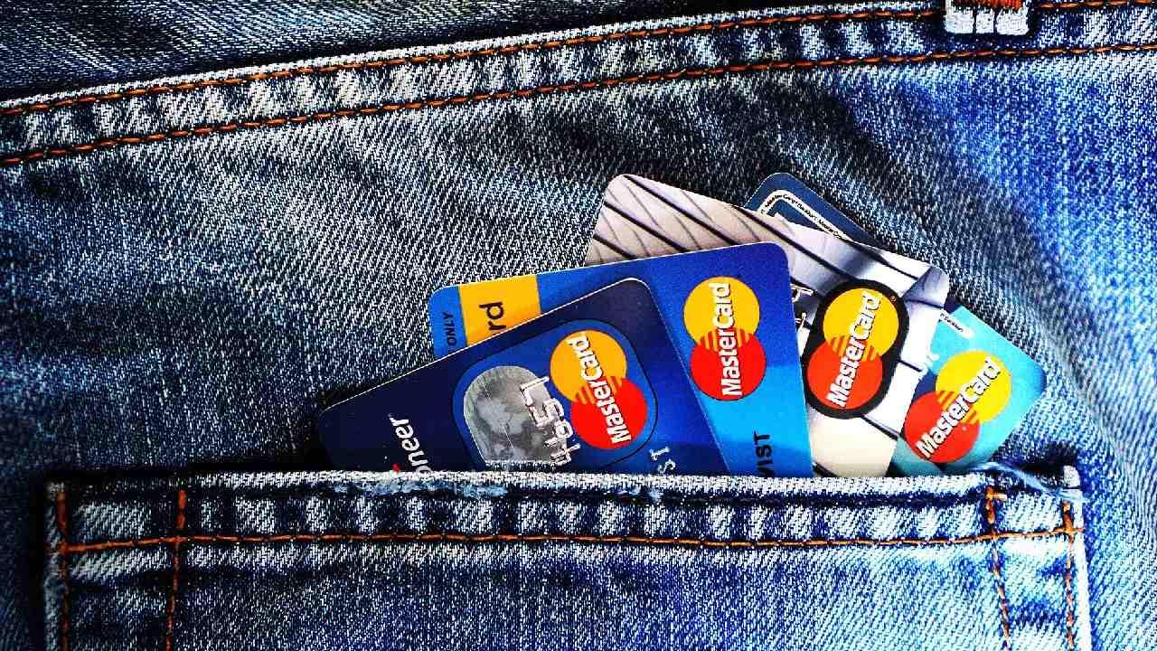 Ten cuidado al usar tus tarjetas de crédito