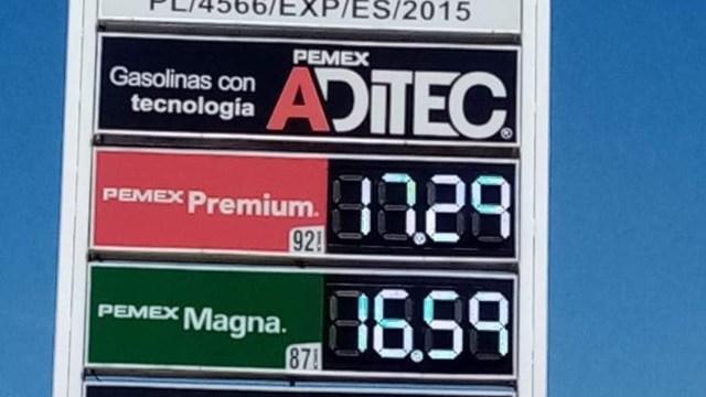 ¿Por qué la gasolina premium cuesta más dinero que la magna?