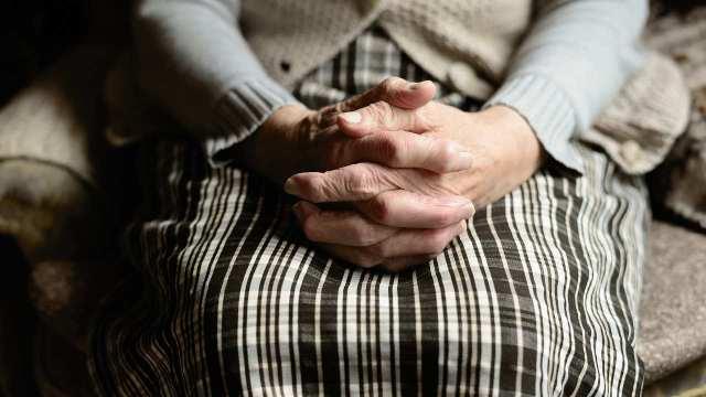 AMLO: Edad para recibir pensión de adultos mayores bajará de 68 a 65 años