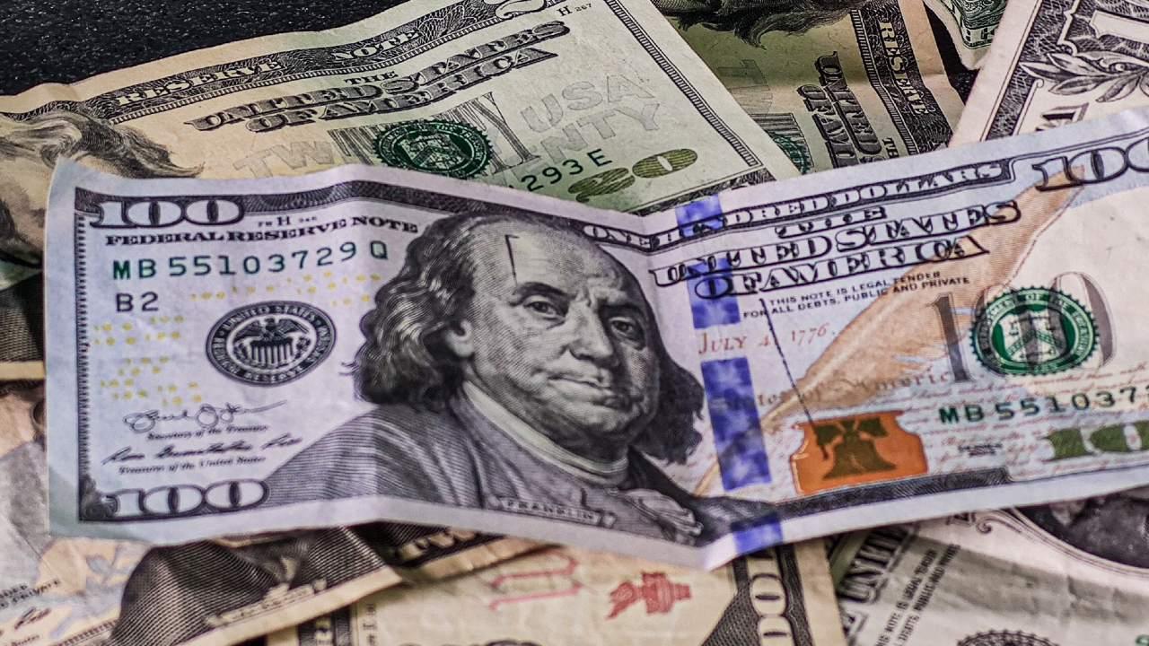 El precio del dólar hoy al cierre 30 de abril de 2021 en México