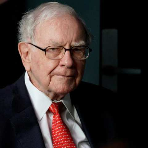 Por estas razones no deberías comprar las mismas acciones que Warren Buffett
