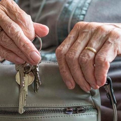 Te contamos qué necesitas para registrarte a la Pensión Universal para Adultos Mayores