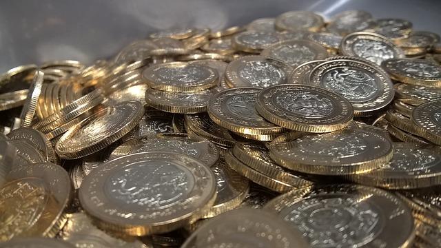 Las monedas también empiezan su denominación con 1, 2 o 5