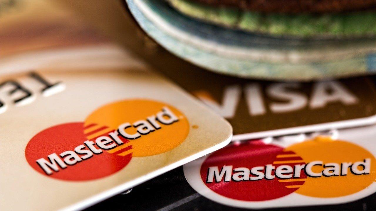 Consejos para manejar tu primera tarjeta de crédito