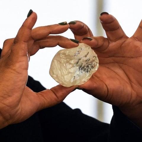El tercer diamante más grande del mundo pesa más de mil quilates y mide 73 milímetros