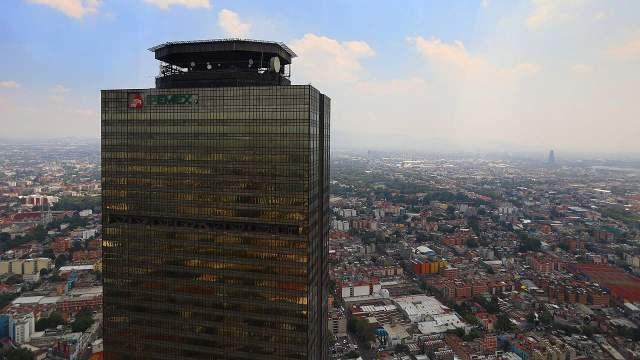 Juez otorga suspensión provisional a reforma que quitaba regulación asimétrica a Pemex