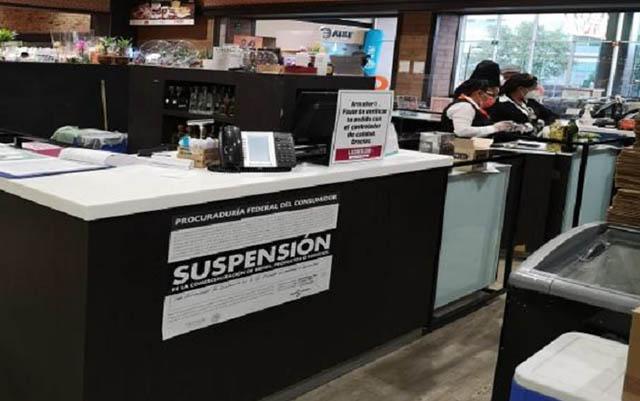 Suspenden negocios