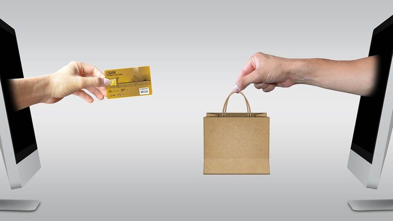¿Me conviene comprar en línea o presencialmente?
