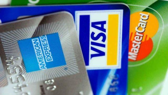 Obtenercréditoste puede ayudar a construir tu historial crediticio pero debes tener cuidado de no endeudarte