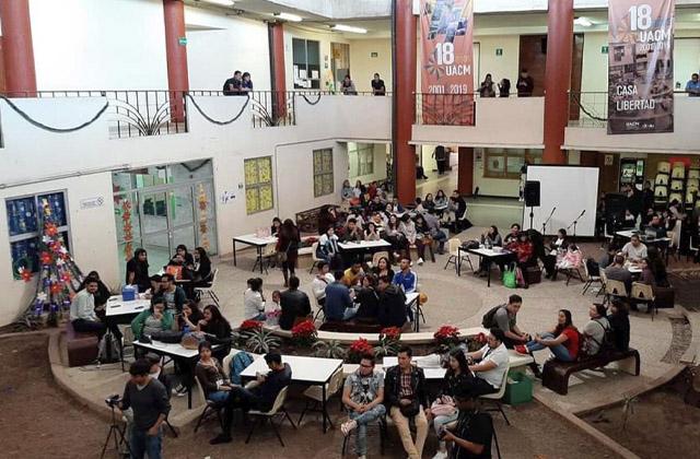 Becas a estudiantes UACM