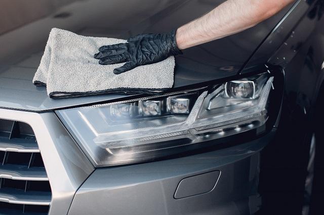 Algunos productos nos permiten lavar nuestro auto sin la necesidad de gastar agua ni utilizar cepillos o cubetas