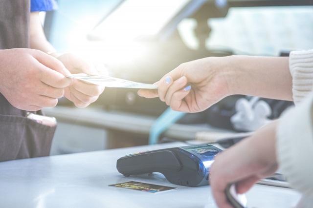 El uso de una tarjeta de crédito fintech también se refleja en el Buró de Crédito