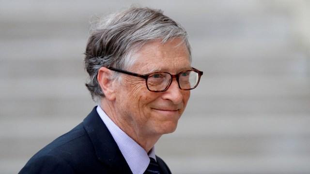 El empresario Bill Gates da consejos de finanzas