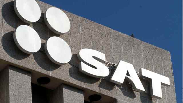 Cancela SAT cuentas de más de mil fedatarios públicos