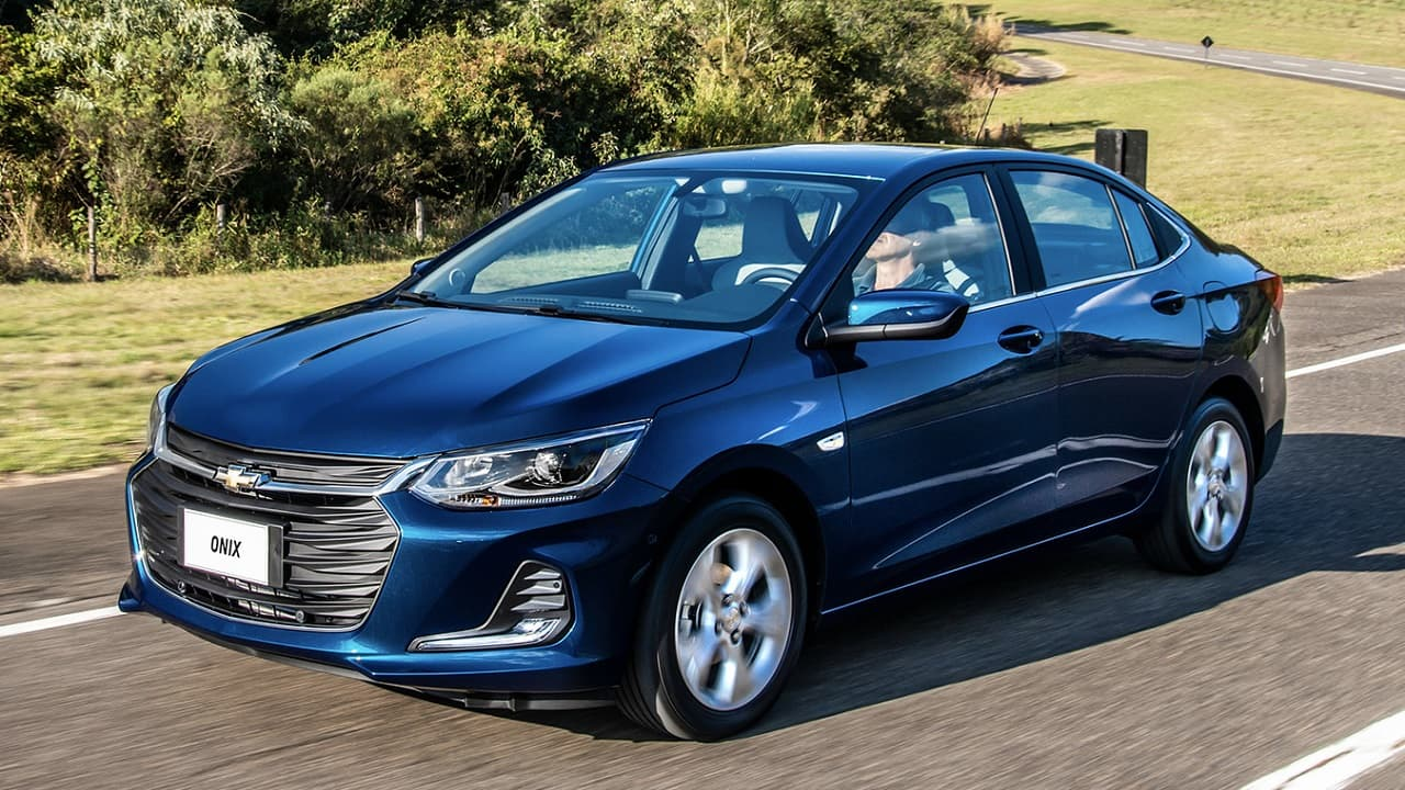 Autos que gastan menos gasolina de los convencionales