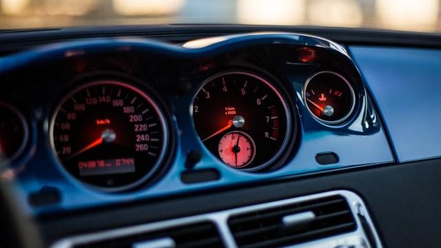 Tres alternativas de carros que gastan poca gasolina