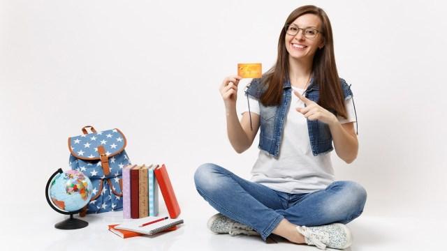 Así es como funciona una tarjeta de crédito para estudiantes