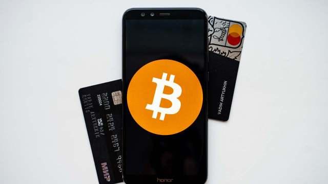 ¿Por qué es mala idea endeudarte para comprar criptomonedas?
