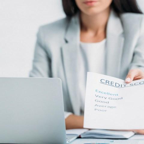 Buró de crédito utiliza el historial de pagos para pagar