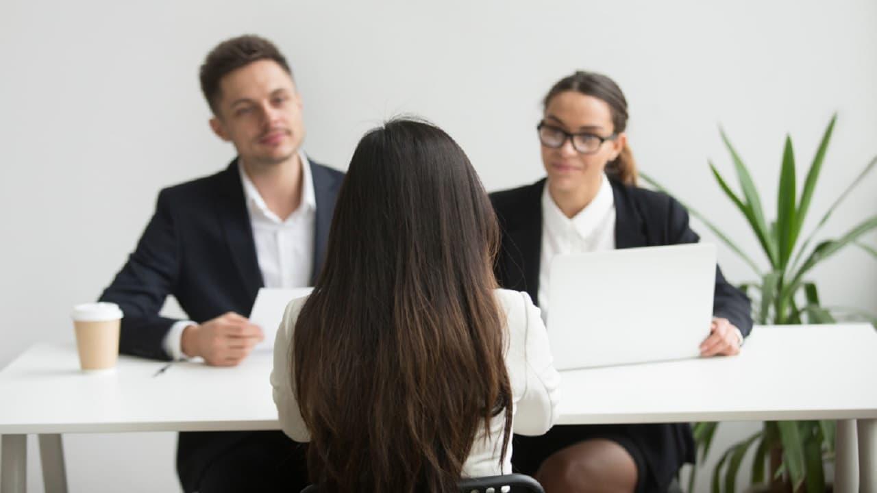 """¿Qué responder al """"háblame de ti"""" en una entrevista de trabajo?"""
