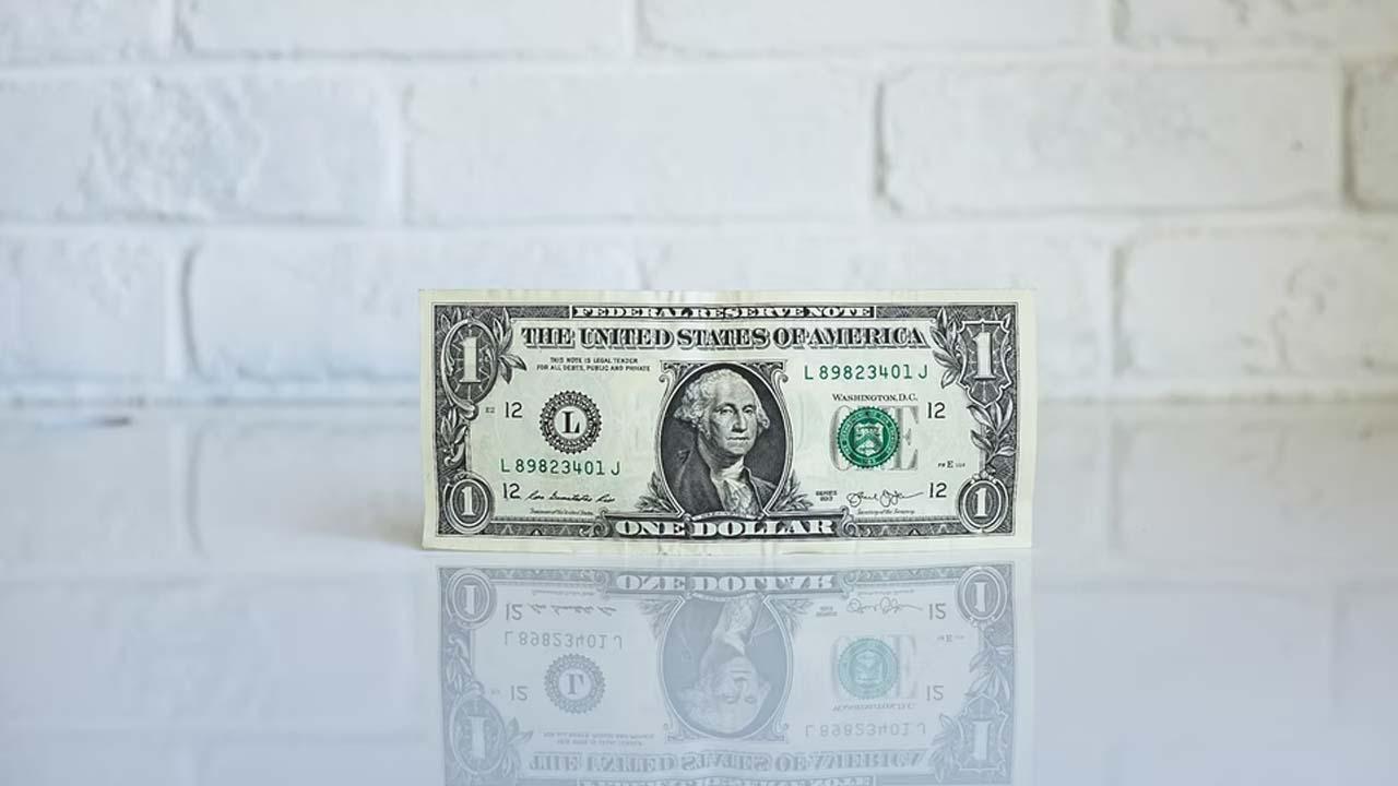 A cuánto esta el dólar el viernes