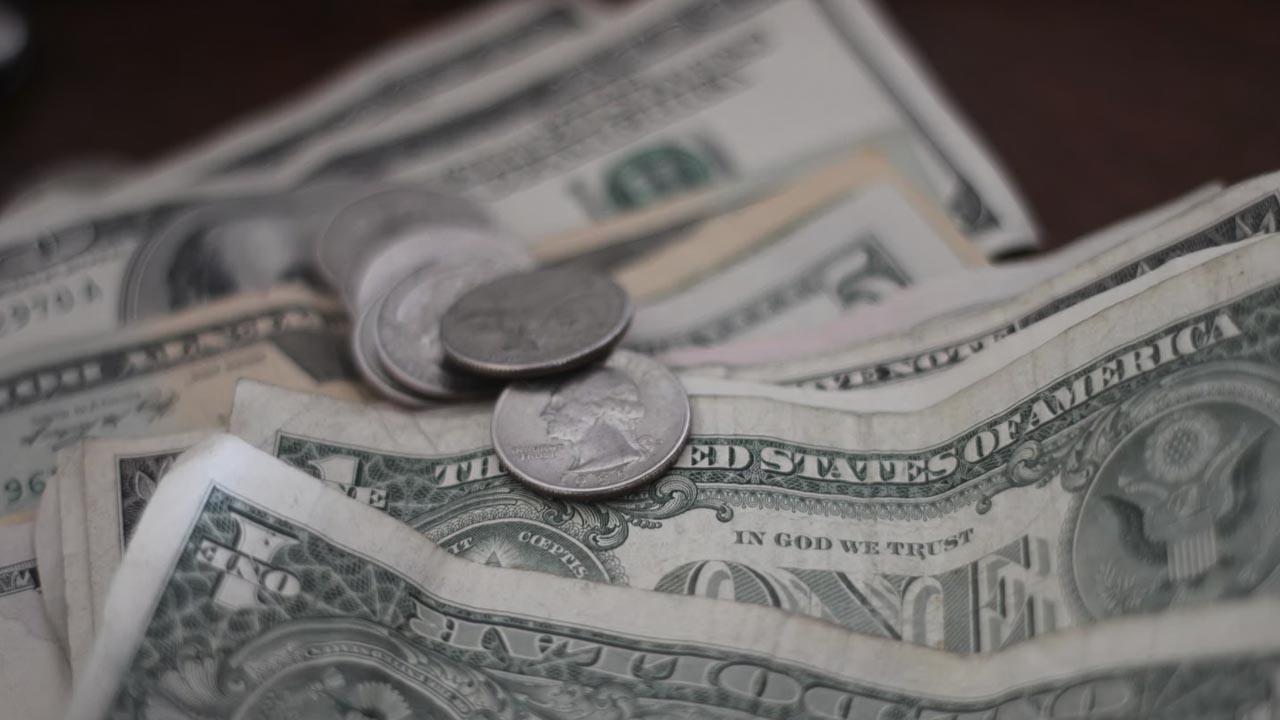 El dólar banamex ajusta precios