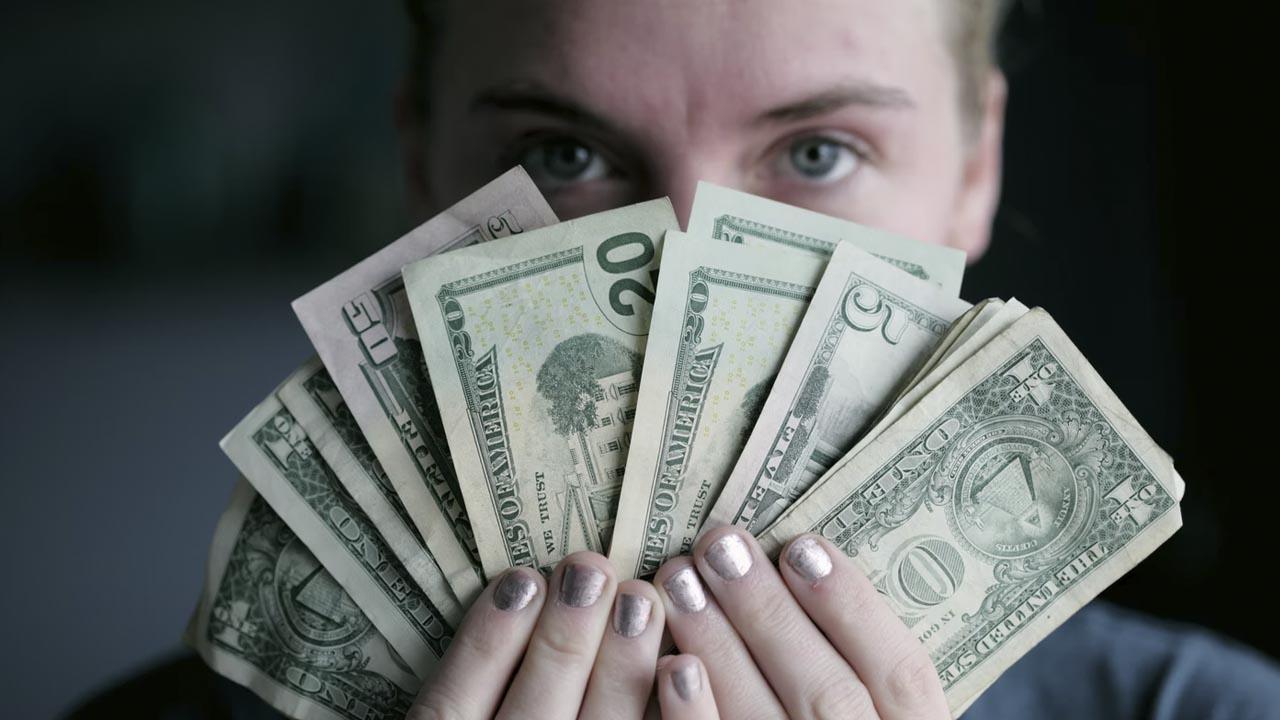 A cuánto está el dólar en viernes