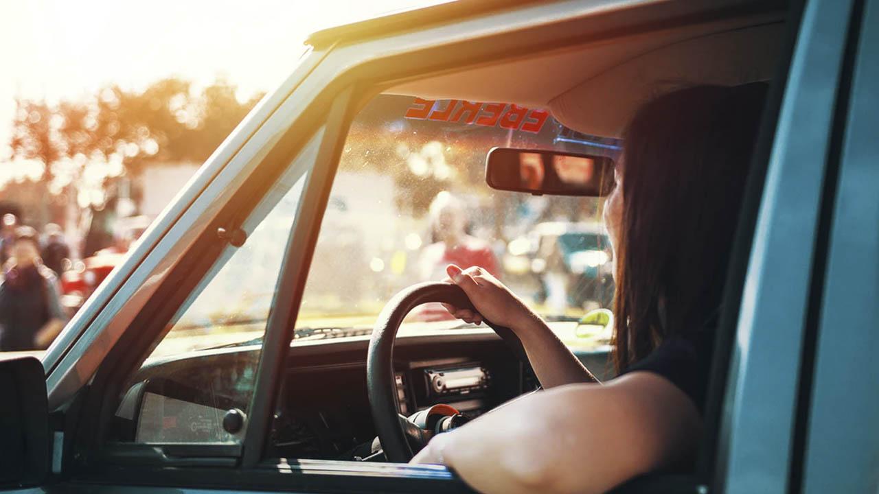 seguro de autos en mujeres
