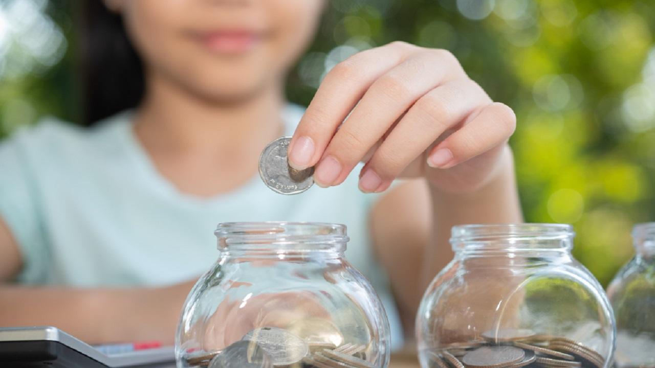 Tips para fomentar en tus hijos la buena relación con el dinero