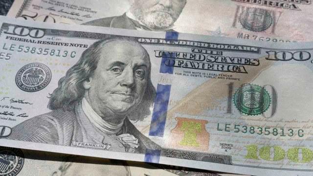 El dólar presenta otra alza