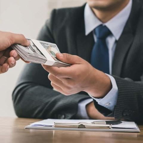 Evita a los prestamistas informales.