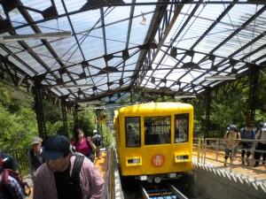 山頂駅と山ガール