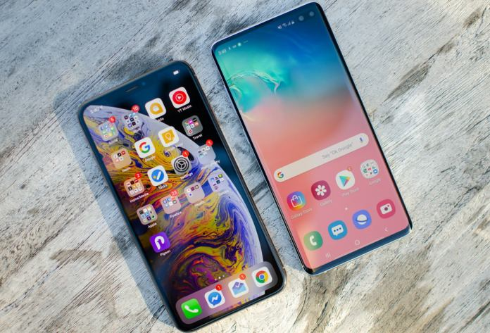 comparison between Samsung Galaxy S10 Plus vs iPhone XS Max