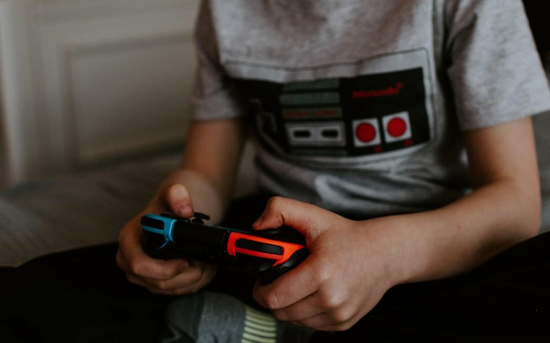 Nasze dzieci w świecie gier wideo. Pozwalać? Czy zabraniać? – Maciej Mazurek