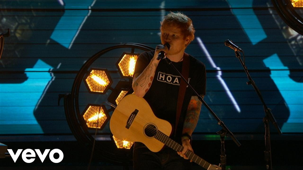 Ed Sheeran – Shape of You (LIVE from the 59th GRAMMYs)
