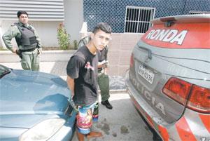 Photo of FORTALEZA: Bandidos invadem casa e fazem família refém
