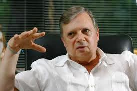 """Photo of Tasso pede """"UM TEMPO"""" para entrar na campanha"""