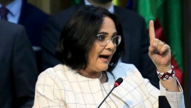 Photo of 'Não pretendo sair do governo', afirma ministra Damares Alves
