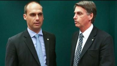 Foto de Bolsonaro precisa avaliar se Eduardo tem condições de assumir embaixada, diz Rodrigo Maia