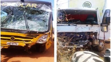 Photo of Acidente na Br116: Caminhão da empresa Macavi se envolve em colisão com ônibus escolar