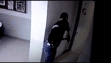 Photo of Agente penitenciário atira acidentalmente contra si mesmo ao manusear arma