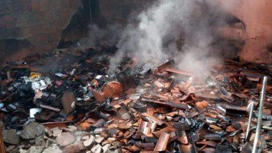Foto de Crato-Ce: mulher tem casa incendiada por ex-companheiro enquanto fazia BO por violência doméstica